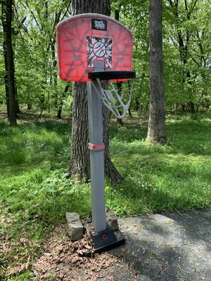 Basketball hoop for Sale in Orland Park, IL