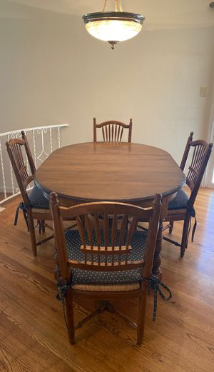French antique kitchen table for sale with 4 chairs for Sale in Cupertino, CA