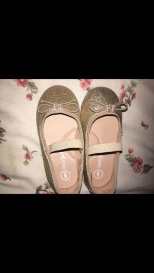 Toddler gold dressy shoes worn once size 6c for Sale in Boston, MA