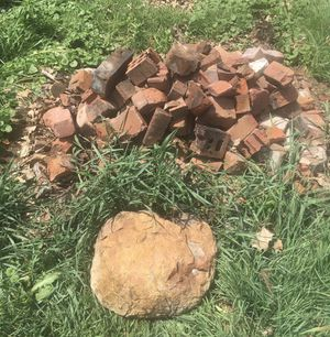 🧱 FREE BRICKS 🧱 for Sale in Peoria, IL