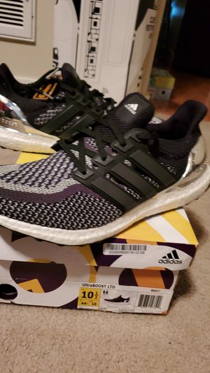 Adidas Ultra Boost 2.0 Chrome 2016 sz10.5 for Sale in Issaquah, WA