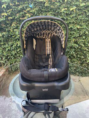 Bertini baby car seat for Sale in Norwalk, CA