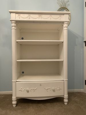 Stanley Furniture Bookcase for Sale in Issaquah, WA