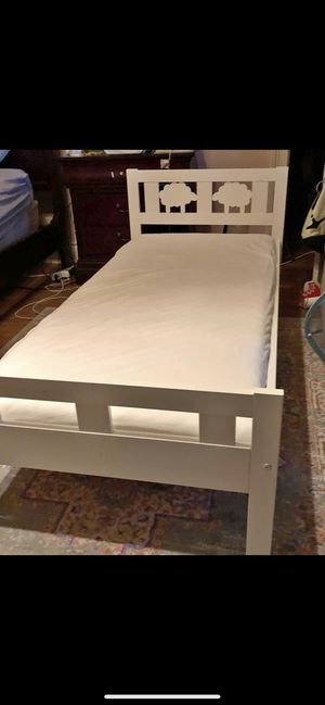 Two baby toddlers bed no mattress for Sale in Miami, FL