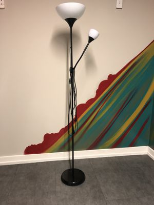 Floor base Black and white Lamp for Sale in Miami, FL