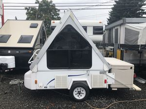 2008 Coachmen 10' A-Frame Folding Trailer weighs APPROX. 500 lbs!! for Sale in Portland, OR