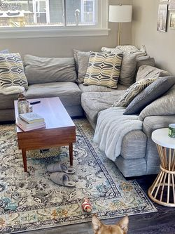 Large Gray Comfy Levin Sectional Couch for Sale in Cleveland,  OH