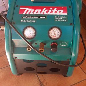 Makita 4.2 Gallons Air Compressor for Sale in Miami, FL