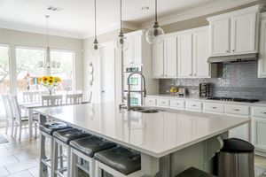 Large kitchen Island 🌴 with over hang for Sale in Chula Vista, CA