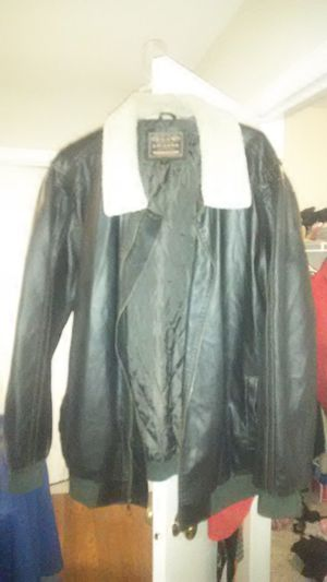 Men's leather bommer blk 3x for Sale in Cuba, MO