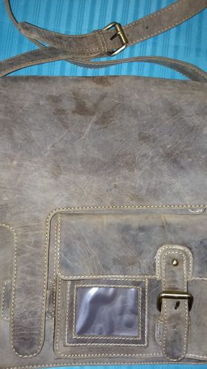 Genuine leather messenger bag for Sale in Las Vegas, NV