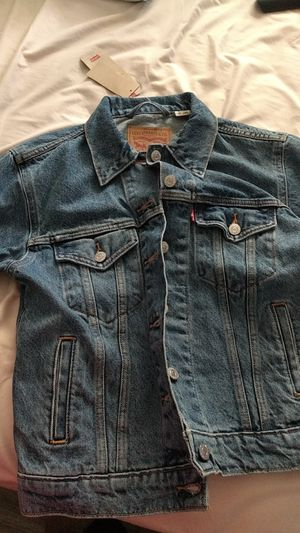 Woman's Levi's denim jacket NEW for Sale in Ruskin, FL