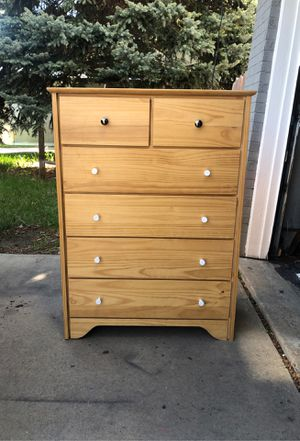 6 drawer wood dresser for Sale in Arvada, CO