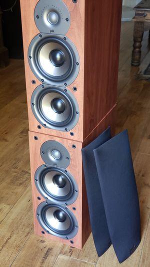 Mint Cherry Polk Audio 2-Way Bookshelf Monitors for Sale in Los Angeles, CA