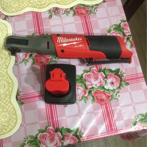 Milwaukee 2757-20 m12 3/8 Ratchet With 3.0 Battery ,no box for Sale in Silver Spring, MD
