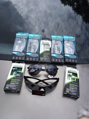 Bluetooth headphones an regular headphones for Sale in Lutz, FL