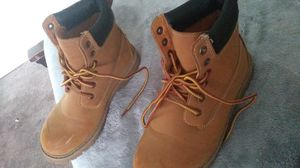 OZARK TRAIL SIZE #7 MENS WORK BOOTS IN MINT CONDITION ONLY 10$ for Sale in Fresno, CA