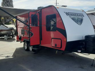 2019 Micro Mini Winnebago Travel Trailer 2106 FBS for Sale in Huntington Beach,  CA