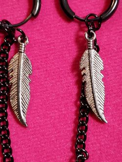 Black Hoop With Feather Charm Earrings for Sale in Wenatchee,  WA