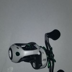 Lew's Mach I SLP Casting Reel. ( Left Side ) . for Sale in Indianapolis, IN