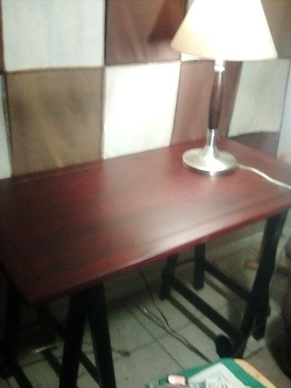 Night stand , 2 lights anda custom made small kitchen table or TV stand. Will throw the 2 lamps in as well.