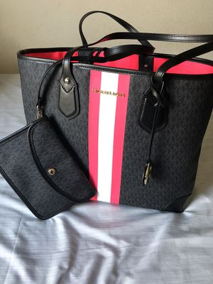 Michael Kors Tote Large w/ Wallet for Sale in Portland, OR
