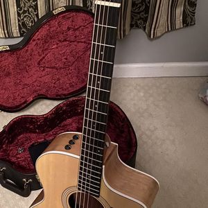 Taylor Guitar 214ce for Sale in Fairfax, VA
