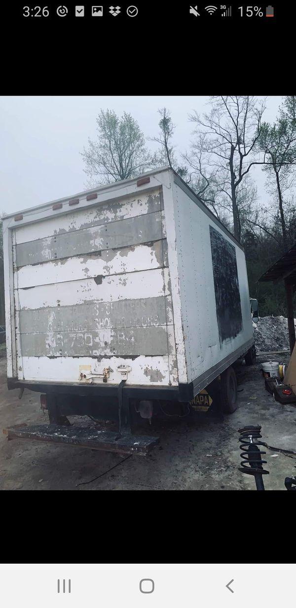 99 yukon and 99 ford box truck