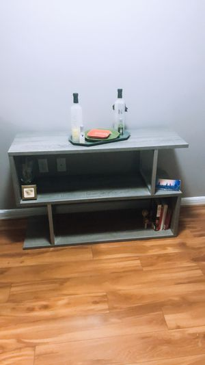 3 tier Wood Hall Console/ Accent Table for Sale in Rockville, MD