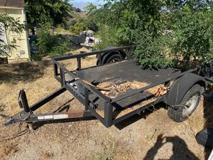 Trailer. 5x8. New tires. Title in hand for Sale in Mentone, CA
