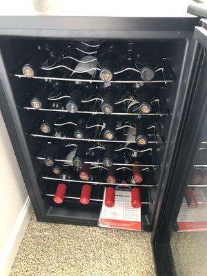 28 bottle Magic Chef wine cooler for Sale in Sumner, WA
