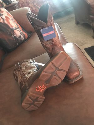 Lady's work boots for Sale in El Paso, TX