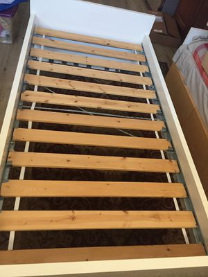 Twin bed with three drawer and mattress for Sale in Milpitas, CA