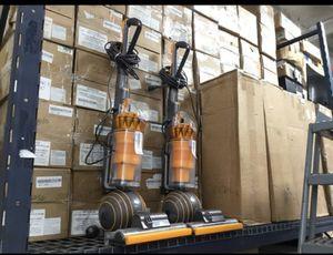 Dyson UP19 Multifloor vacuum for Sale in Norwalk, CA
