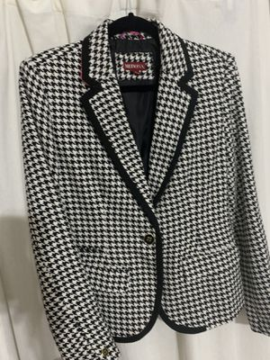 Women's blazer size 8/M for Sale in Burleson, TX