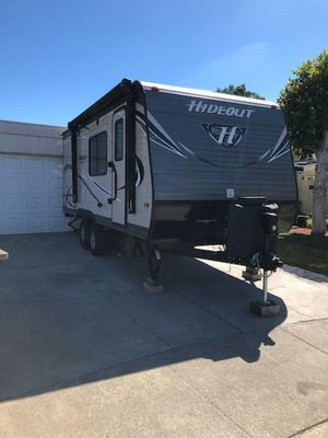 2018 hideout trailer by keystone 23 footer tomorrow 9/27 I'll post pictures of inside trailer located in San Jose but I live in lathrop for Sale in Lathrop, CA