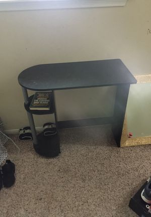 Small tv stand/ desk top for Sale in Houston, TX