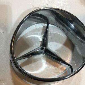 Mercedes SL280,SL350 1968 Chrome Center Grille Ornament for Sale in Point Pleasant, NJ