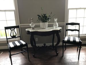 Gorgeous black and white Chairs for Sale in Nashville, TN