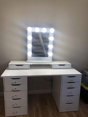 Makeup vanity for Sale in Fontana, CA