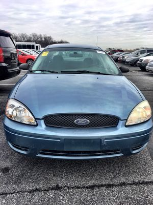 2005 Ford Taurus (low miles ) for Sale in Greenbelt, MD