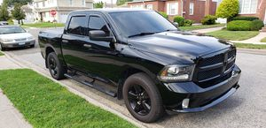 2014 dodge ram 1500 crew cab 5.7 bed Rambox 4x4 for Sale in Franklin Square, NY