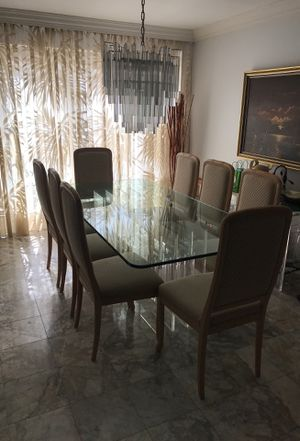 Mid century modern glass and acrylic bases dining table for Sale in Miami, FL