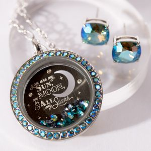 LARGE SILVER TWIST LIVING LOCKET BASE + FACE WITH ERINITE SHIMMER SWAROVSKI CRYSTALS for Sale in Spokane Valley, WA