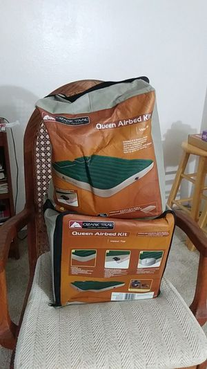 2 Queen air mattresses with air pumps for Sale in San Diego, CA