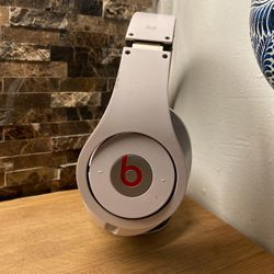 Used Good Condition Monster Beats By Dr Dre Studio Headphones Noise Cancellation for Sale in New York,  NY