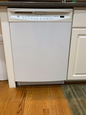GE Dishwasher (under counter) for Sale in Durham, NC