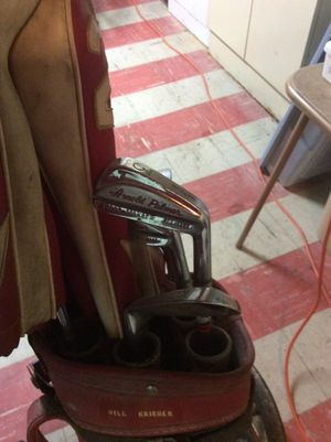 Arnold Palmer golf clubs for Sale in Pittsburgh, PA