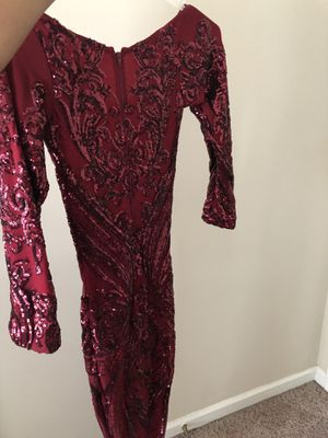 BURGUNDY FORMAL DRESS for Sale in Douglasville, GA