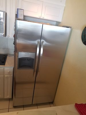 NEW Frigidaire stainless steel refrigerator doors still in the boxes for Sale in Kailua-Kona, HI